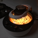 Universalcooker Multifunction Roaster for Healthy and Fat-free Cooking